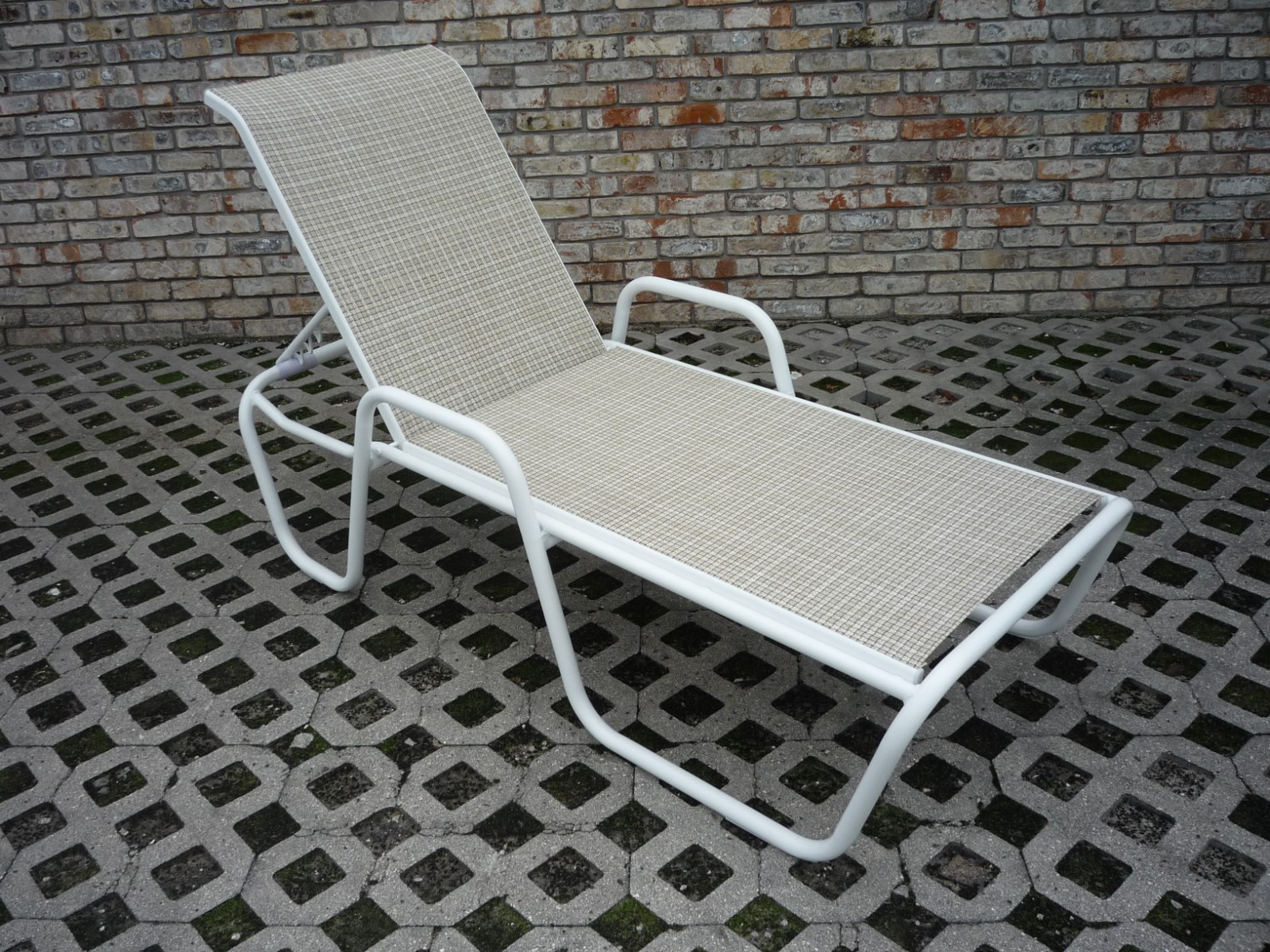 Commercial sling chaise lounge ck 151sla aluminum for Aluminum frame chaise lounge