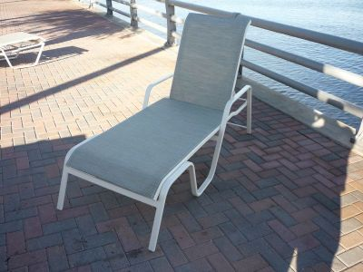 Commercial chaise lounge with arms i 151 chaise lounge for Chaise commercial