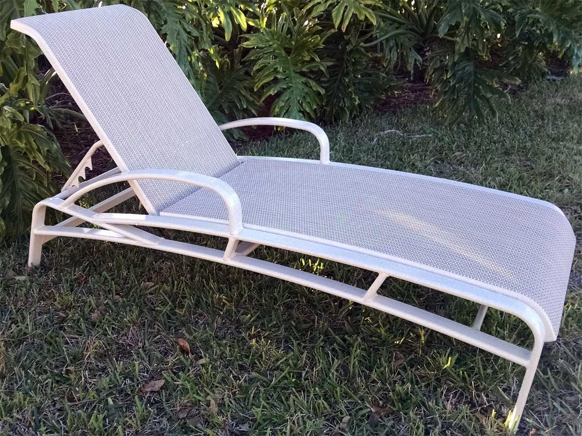 Sling lounge e 150a chaise lounge for Blue sling chaise lounge